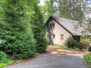 3 Bedroom | 2 Bath | Pet Friendly | Sleeps 7, Lake Toxaway