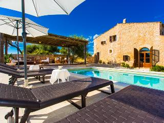 Finca for 6 people in a peaceful environment, Sant Llorenc des Cardassar