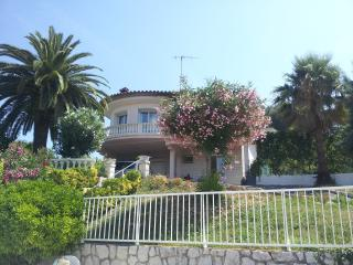Lovely, Bright Villa With Private Pool, Vence