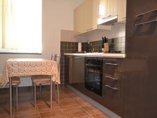 Apartment Lucin, Preko