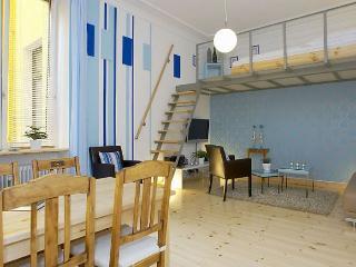 Urban Mit Blau - 001159, Berlin
