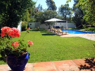 Large garden with swimming pool (10x5 metres) with stunning views over the valley