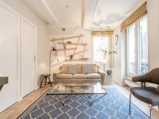 PARIS CENTRE - trendy and cosy appartement 10e