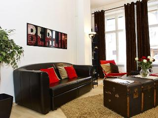 Prenzlauer Place apartment in Prenzlauer Berg {#h…