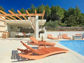 ***secluded villa with pool***
