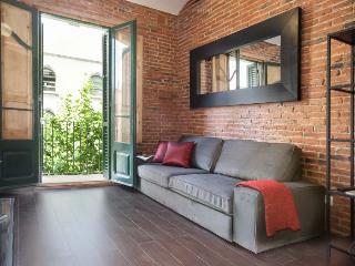 Sagrada Familia 3-2 apartment in Eixample Dreta {…