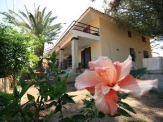 Appartamenti in villa vista mare 2 -15 posti letto, Avola