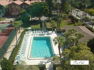 Siesta Key Townhouse across from Pristine Sand & B