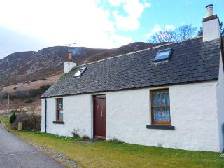 WILKYS stone cottage in rural location, pet-friendly, open fire in Helmsdale Ref 920972