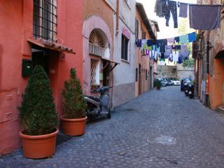 Trastevere studio for romantic escapes, Roma