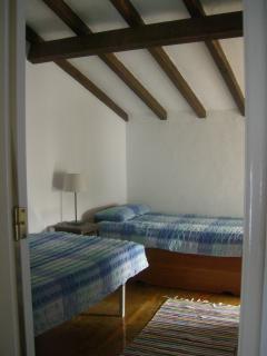 Quarto 2 camas individuais