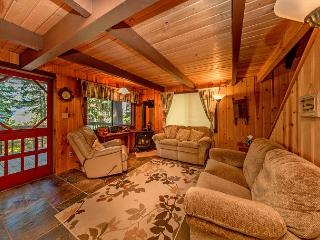 Looking for a genuine cabin retreat on Lake Cle Elum?  3BR + Loft | 2 BA