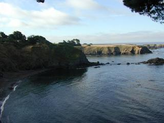 Bluff House... wonderful home in an oceanfront setting just steps from town., Mendocino