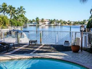 Fabulous Tropical Waterfront Home, Pompano Beach
