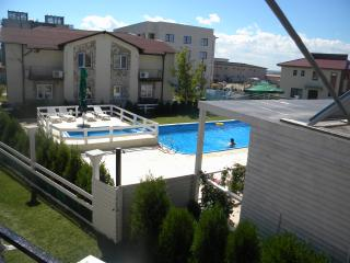 Studio Family Mamaia for 2 adult and max 2 child, Constanza