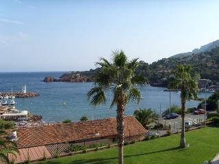 Flat in Théoule-sur-Mer, great sea view
