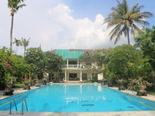3 br Beach Villa in Jimbaran