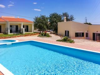W/ar condicionado de casa elegante & piscina partilhada, Algoz