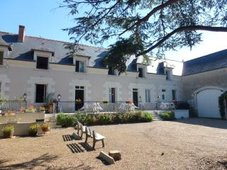 Cosy flat in the Loire Valley, with 2 bedrooms, WiFi & shared pool – 1.5km from Château de Chenoncea, Chisseaux