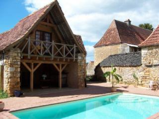 LA CASALISSA : Maison+piscine chauffée près SARLAT, Castels