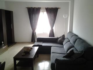 central apartment close to all amenities, internet and air conditioning,