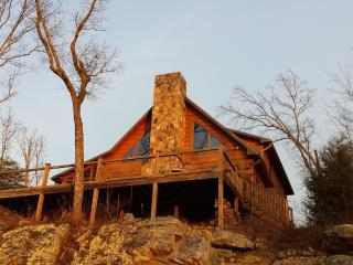 Hunters' Lodge, on the bluff of Lookout Mtn., Rising Fawn