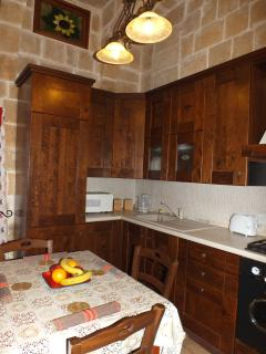 Kitchen / Dining Room 05