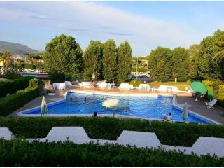 Villa 2 with shared pool and garden, Terracina