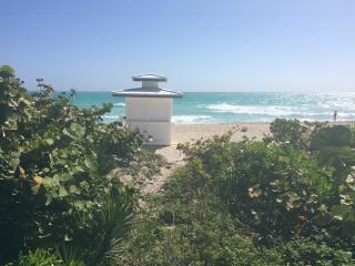 1 bedroom Steps from the beach !!! South Beach, Miami Beach