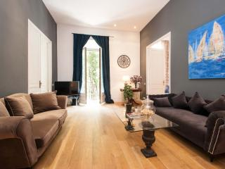 DELUXE TWO BEDROOMS APARTMENT, Barcelona