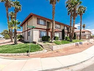 Steps to the River with Mountain Views, Bullhead City