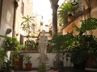 My Penthouse with terrace at Campo dei Fiori!