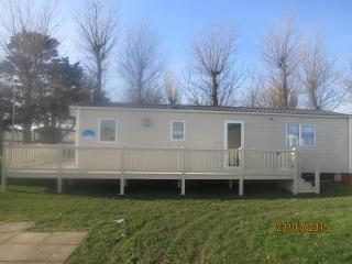 Ref 50013 California Cliffs 6 berth caravan to hire - stunning secure decking.