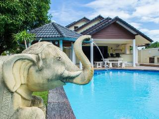 Baan Laksee 4 bed pool villa near Walking Street, Pattaya