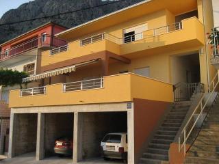 Apartment CR66, Omis