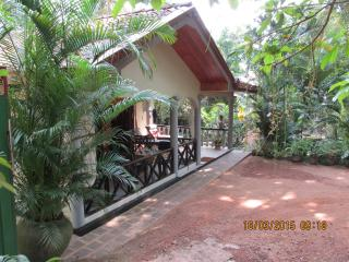 BUNGALOW THILINA: TRANQUIL ELEGANCE IN A JUNGLE SETTING - BREAKFAST INCLUDED