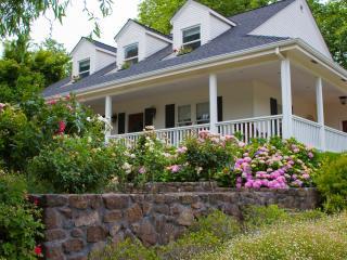 N.V. Vineyard 'Storybook' Home Rental, Napa