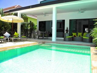 New villa in wonderful Nai Harn !