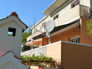 CR 77 - Apartment, Dugi Rat