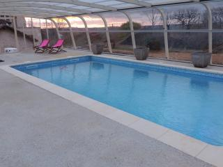 Gîte  Mas  de Cascabel avec piscine  chauffée