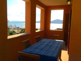 "3-room apartment ""Monte Ruju"", 100 m from beach, Golfo Aranci"