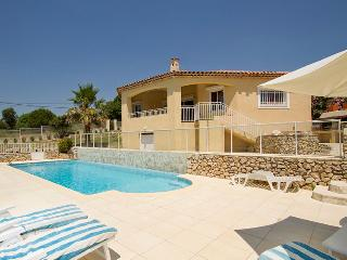 83.865 - Villa with pool i...
