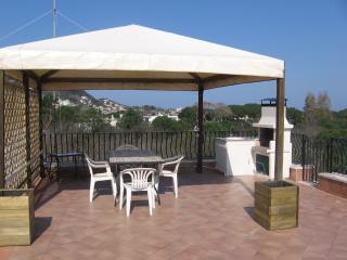 gazebo e barbecue sul terrazzo