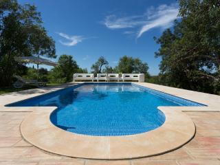 Tasteful Villa with private Pool & private Bar!