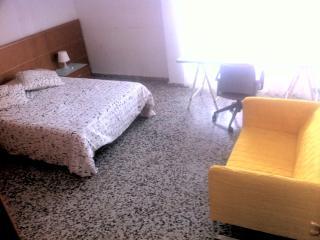 Alquiler Bonita Habitación Doble, Piso Centro y Playa