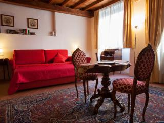 Magnificent Vacation Apartment in Center of Florence