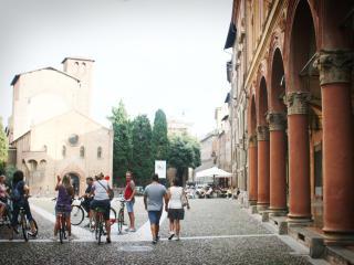Beautiful Apartment on Piazza Santo Stefano, Bologne