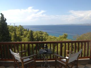 Private two-storey  holiday apartment of 80 sq.m., Spetses Town