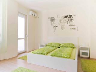 Kiraly1 apartment Nr2  Deak square