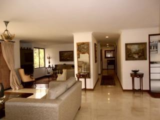 Poblado Castropol 3 Bedroom 0046, Medellín